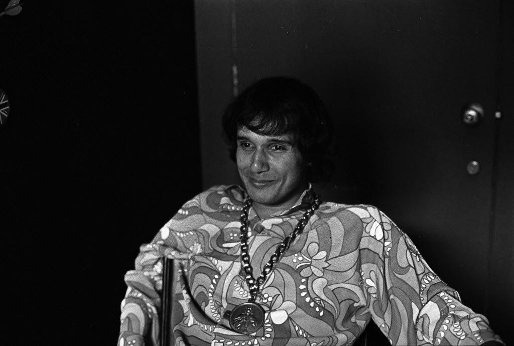 o-cantor-roberto-carlos-jovem-em-foto-de-1968-1440002348350_1024x690